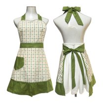 gingham apron, green gingham apron, aprons, aprons for women, vintage aprons, vintage aprons uk, vintage aprons amazon, vintage aprons online, vintage aprons for sale,